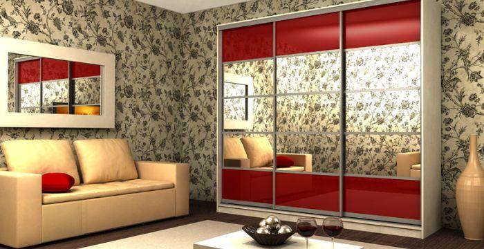Шкафы-купе ВерсальФасад 5-секционный с зеркалом и крашеным стеклом в алюминиевом профиле